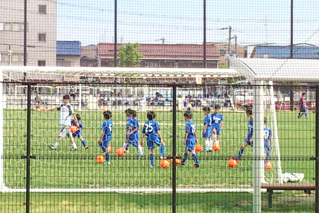 子供にサッカースクールは必要?チームと掛け持ちするべきか?